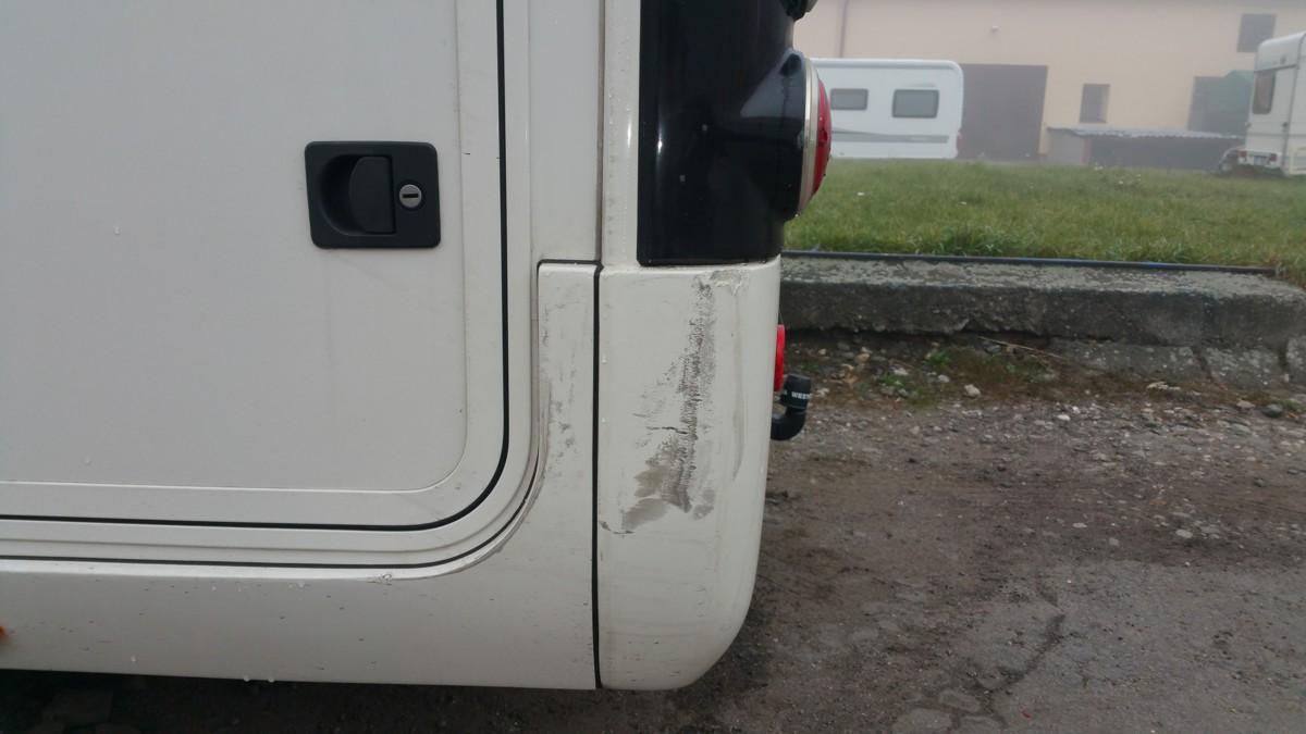 Opravy poškozených nástaveb karavanů | KaravanyProstejov.cz