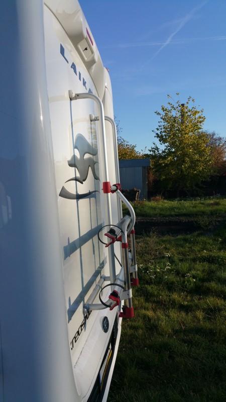 Montáž držáku na kola na karavan